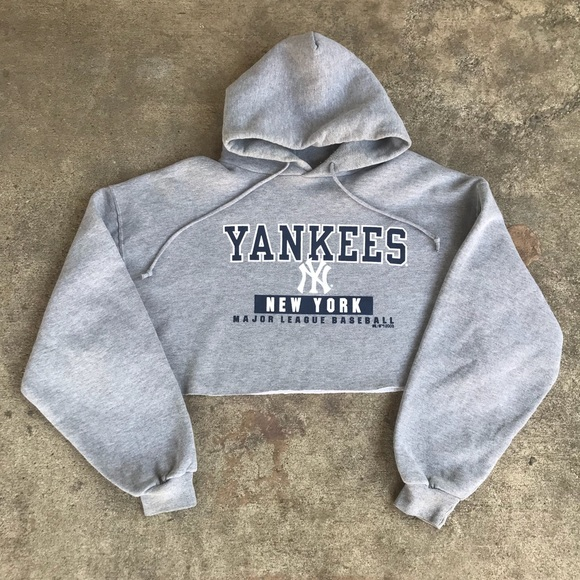 online retailer 8435d 752b4 Reworked Women's New York Yankees Crop Hoodie